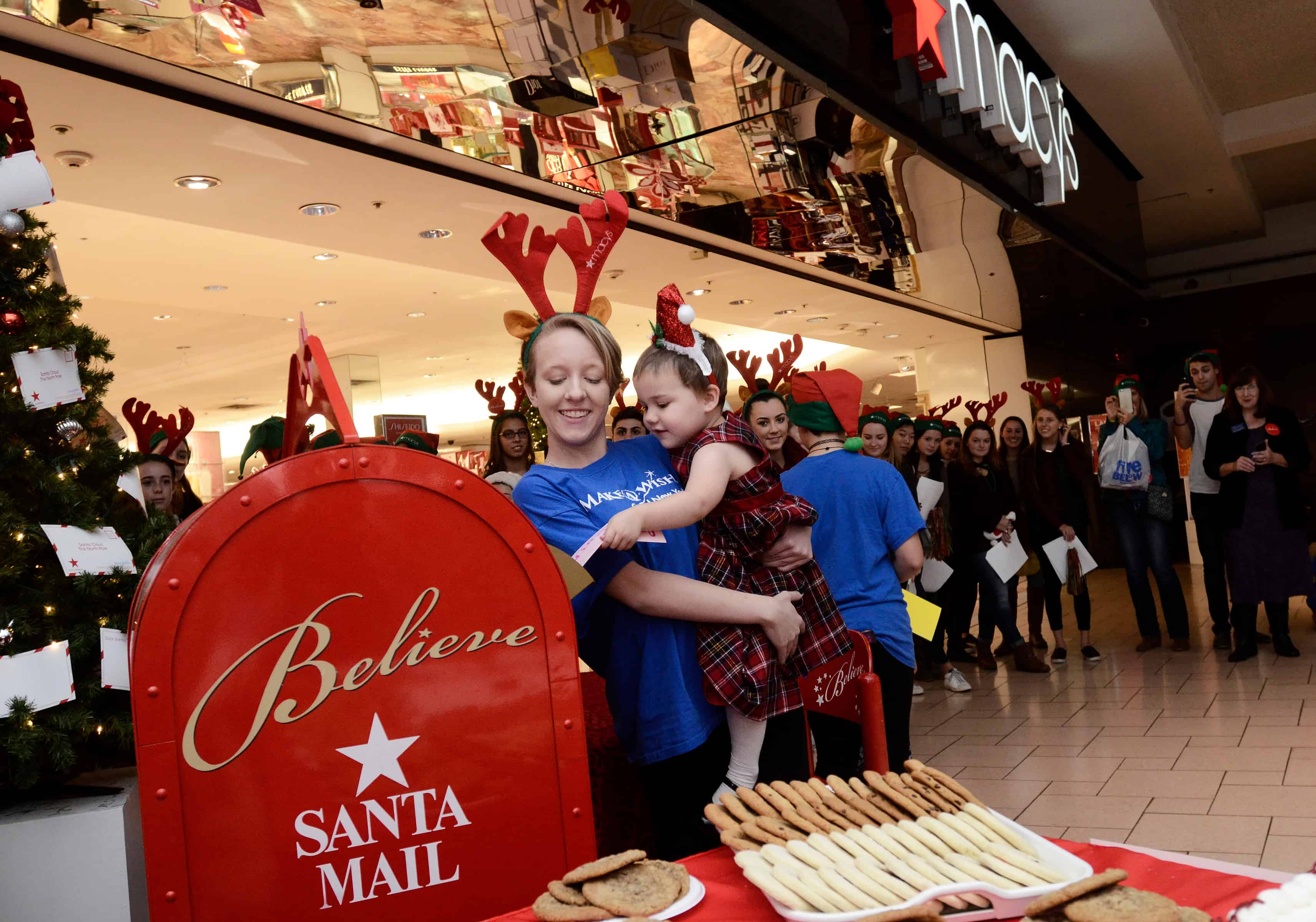 A Wish For Christmas.Macy S Continues Its Partnership With Make A Wish For The